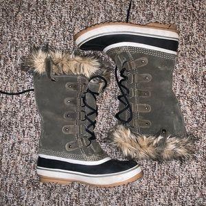NWOT Sorel Joan of the Arctic boots